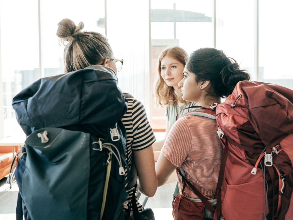 How To Make Friends While Travelling Alone