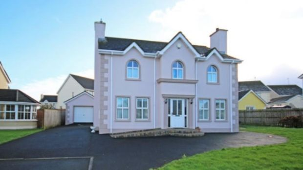Country: 45 Hawthorn Hill, Newtown Cunningham, Co Donegal
