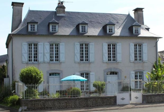 France: five-bed maison-de-maître in Aramits village