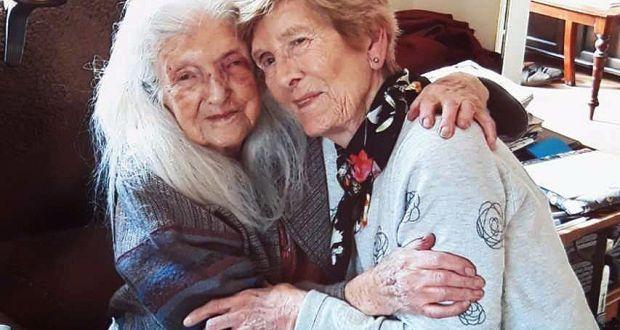 Eileen Mackin 81 With Her Birth Mother Elizabeth 103 She