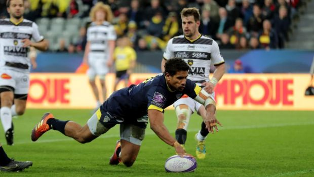 Wesley Fofana dives to score for Clermont aganist La Rochelle. Photograph: Richard Sellers/PA