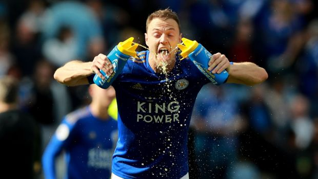Jonny Evans cools off during Leicester's goalless draw with Chelsea. Photograph: David Rogers/Getty