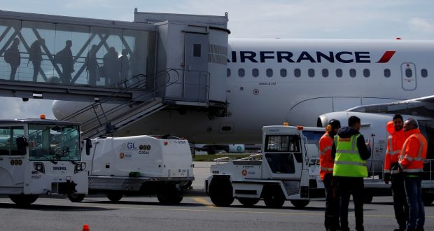 Air France to cut 465 jobs in bid to stem losses