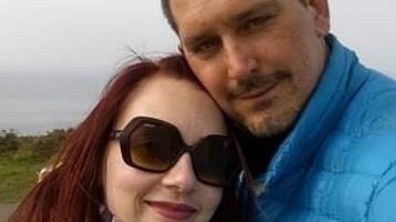 Widow of paraglider seeks to return €500 voucher he found