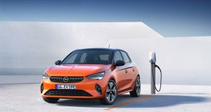 Opel Corsa-e: Aside from the subtle 'e' moniker and a different set of wheels, the car looks exactly the same as the petrol and diesel Corsas