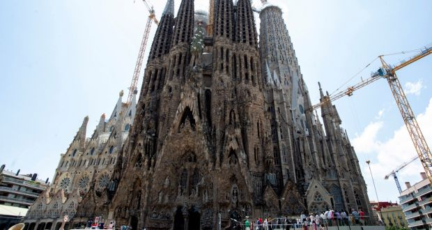 Sagrada Familia Gets Building Permission After 137 Years