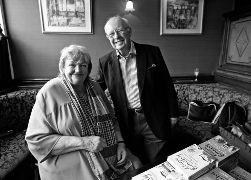 Maeve Binchy and Gordon Snell in Finnegan's pub in Dalkey. Image from the personal archive of Eric Luke