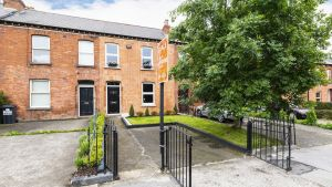 36 Whitworth Road in Drumcondra, Dublin 9, offers views of the canal