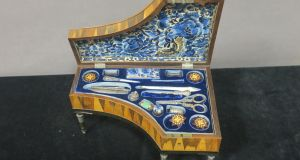 A tiny Tunbridge Ware sewing kit in the form of a grand piano achieved €2,400 (€200-€300) through Mullen's of Laurel Park