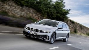 Volkswagen Passat has been given a mid-life facelift that adds new technology plus a few subtle styling changes, ding in this estate version