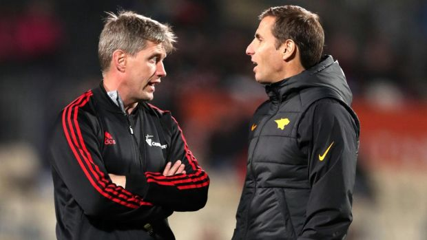 Ronan O'Gara speaks to Jaguares head coach Gonzalo Quesada ahead of the Super Rugby final in Christchurch. Photograph: Martin Hunter/Photosport/Inpho