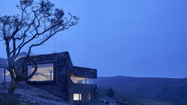 A Restorative Rural Retreat for Sartfell in the Isle of Man by Foster Lomas