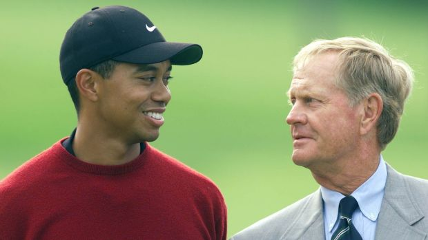 Tiger Woods and Jack Nicklaus share a chat during the award presentation in 2001. Photograph: Andy Lyons/Allsport