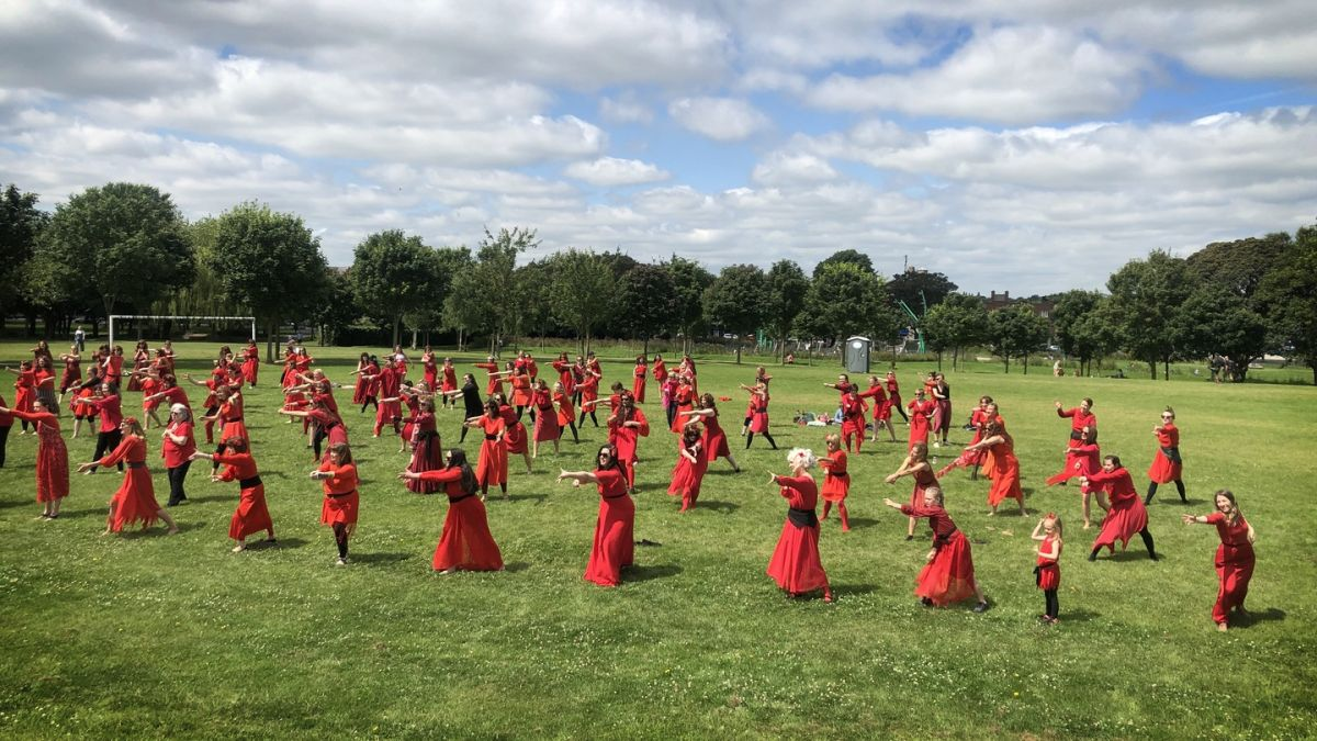 Hundreds of Kate Bush lookalikes do Wuthering Heights in Dublin Park