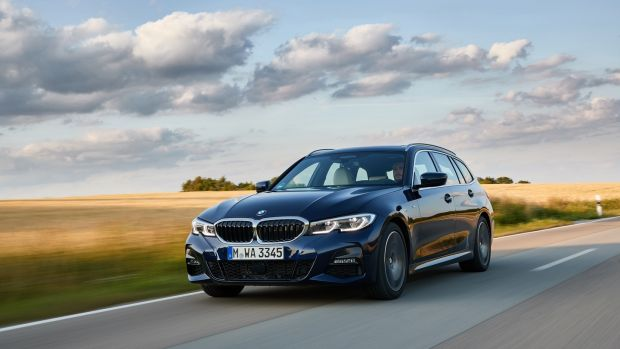 Bmw 3 Series Touring Bucks The Trend For Crumbling Estates