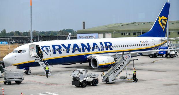 Ryanair recruiting pilots despite plan to cut up to 900 jobs