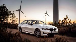 If a car buyer has the choice between a BMW 320d with diesel power, or a new BMW 330e with plugin-hybrid electric power, which one should they choose?