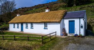 Bumblebee Cottage, Fintra, Killybegs, Co Donegal