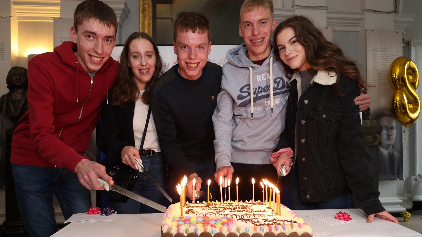 'They're totally different, real individuals' - Ireland's only quintuplets turn 18