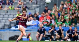 Róisín Leonard of Galway kicks the winning score from a free during the TG4 All-Ireland Ladies Senior Football Championship semi-final win over Mayo. Photo: Brendan Moran/Sportsfile