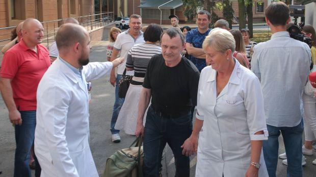 Russia and Ukraine move on long-awaited prisoners swap