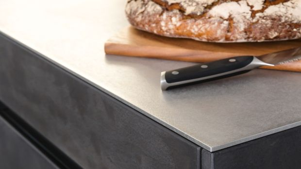 Stainless steel countertops – durable but now also stylish, from Leicht.