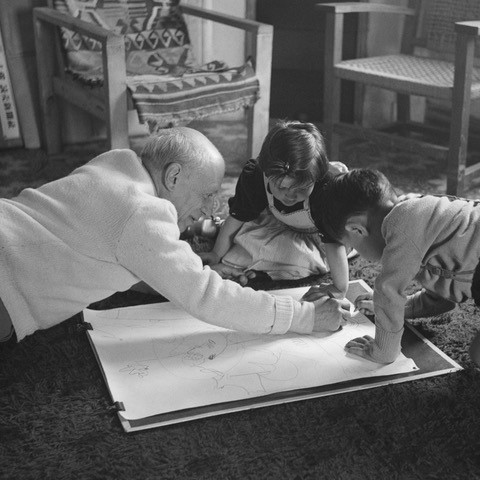 Picasso giving a drawing lesson to his children in 1953. Photograph: Edward Quinn Photo Archive