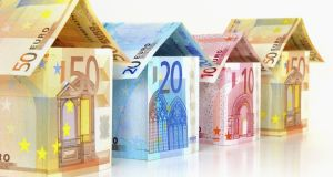 Irish mortgage holders can expect to pay €454,000 back on a €300,000 mortgage while those in the euro area can expect to pay back €374,000.