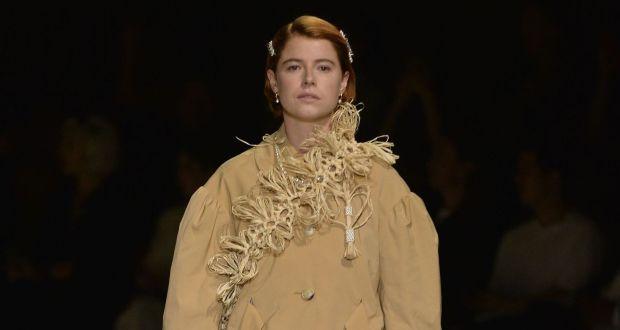 London Fashion Week Exquisite Simone Rocha Display Puts Irish Stars On Catwalk