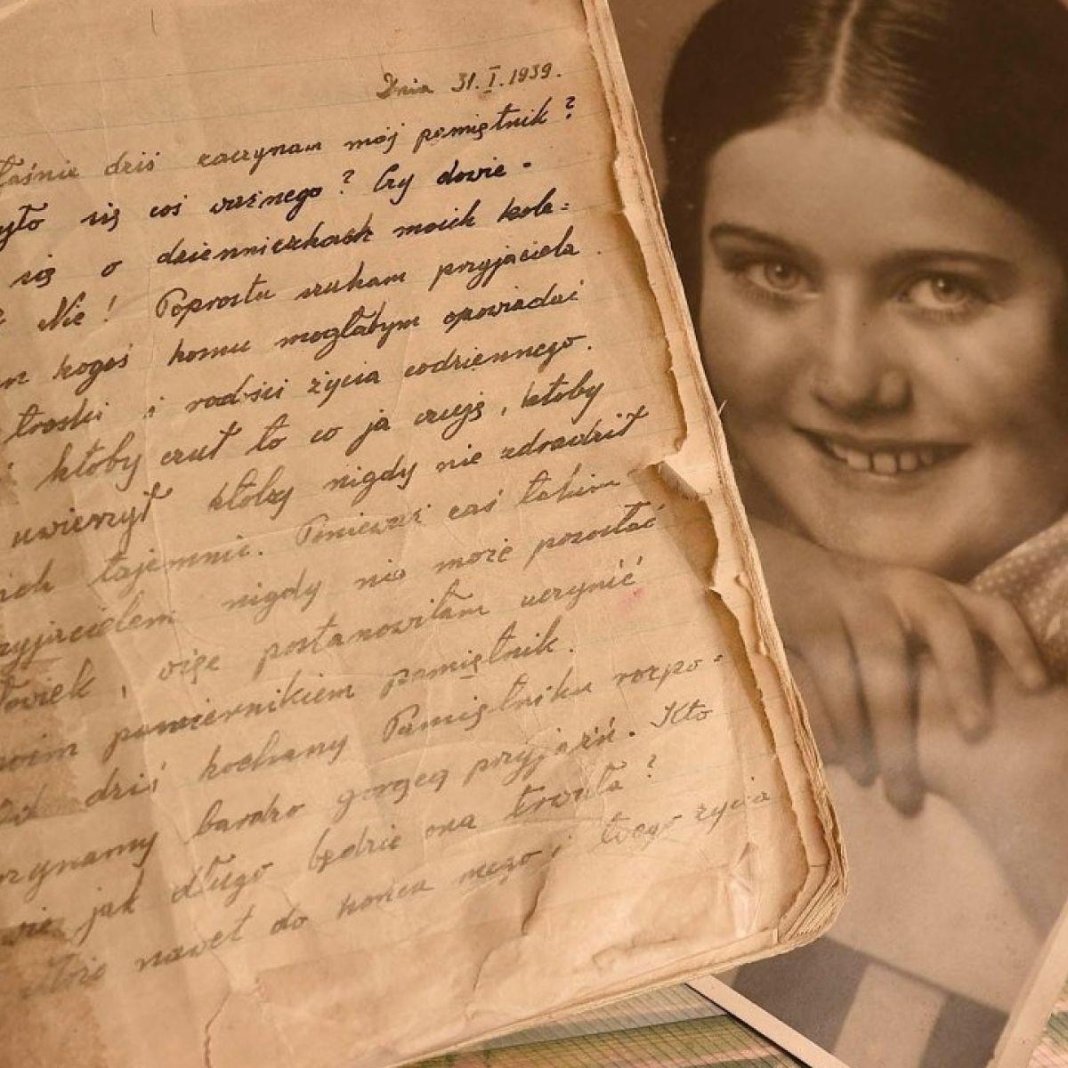 Hidden For 40 Years Renia Spiegel S Second World War Diary