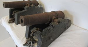 Pair of cast-iron cannons at the Lynes & Lynes sale €800-€1,200