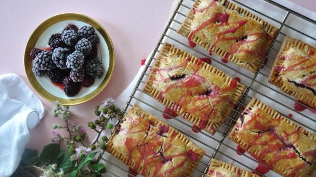 Pear, apple and blackberry pop tarts