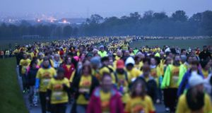 People taking part in  Pieta House's annual Darkness Into Light fundraising  event in the Phoenix Park to help raise awareness and support for  suicide prevention.   Photography: Sasko Lazarov/Photocall Ireland
