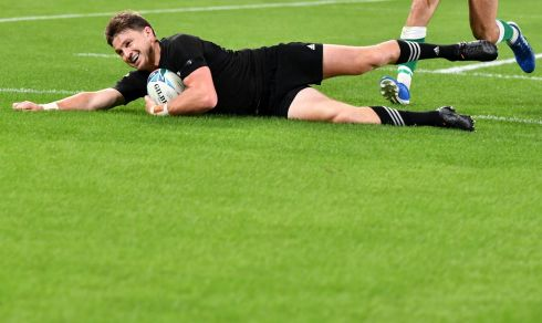 New Zealand's full back Beauden Barrett scores a try. Photo: Getty Images