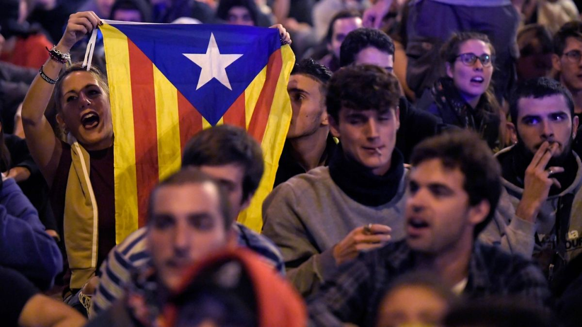 Nothing learned in zero-sum Catalan blame game
