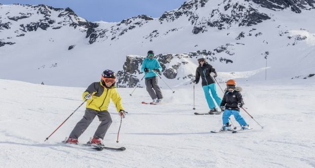 Guests have to pay for skis and boots separately – the rest is all-inclusive, from food and drinks to lessons and lift passes.