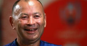 Eddie Jones calls on England to 'change history' and replace New Zealand as world No 1