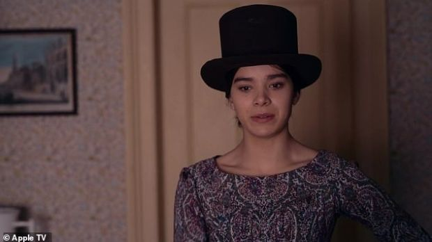 Hailee Steinfeld plays the titular poet in Dickinson