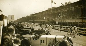 The spectacular Le Mans style start to the Eireann Cup race in 1929. The vast grandstand that was constructed along Chesterfield Avenue can clearly be seen.