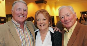 Mike Murphy (left), with Gay Byrne and his wife Kathleen Watkins in 2008. File photograph: Dave Meehan