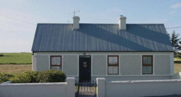 Ireland: Mary Ann's Ballyheige Cottage