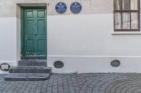 Waterford Civic Trust plaque on the house where Raymond Chandler spent many summers. Photograph: Wikimedia commons