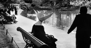 Henri Cartier-Bresson: Ireland. 1952. Dublin. St Stephen's Green