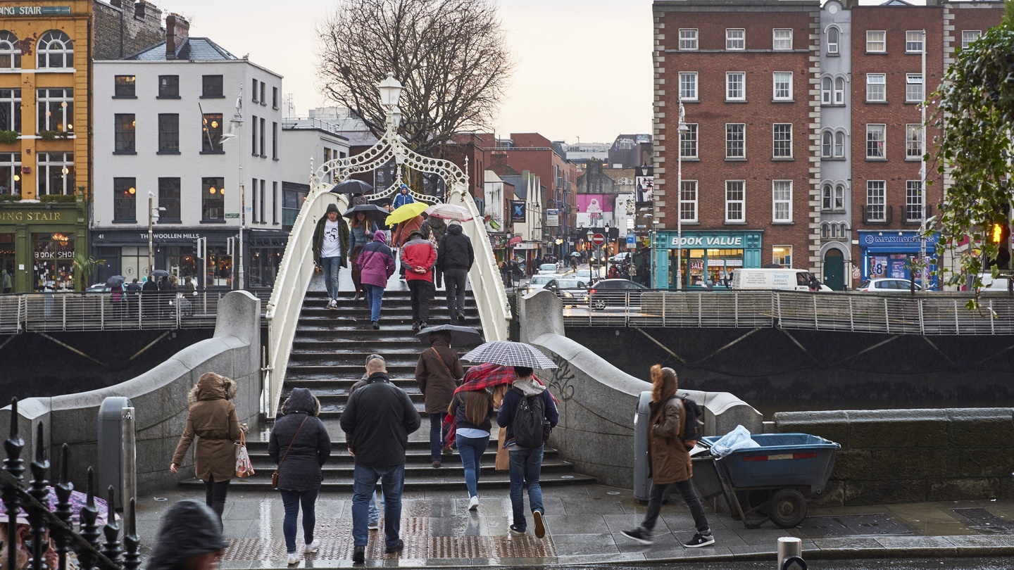 Dirty, dreary, expensive, nothing to do: British parents give their verdict on Dublin