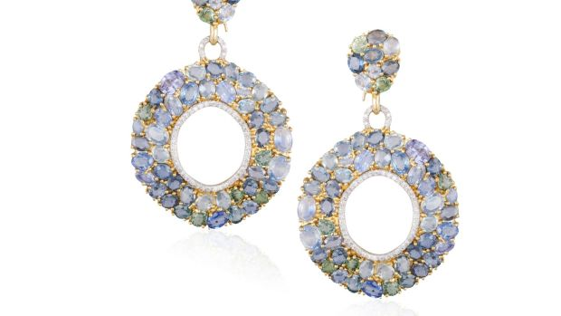 Sapphire and diamond hooped earrings €1,400–€1,800