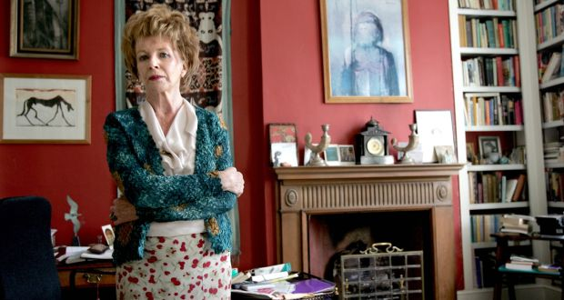 Edna O'Brien  at her home in London in 2006. Photograph: Frank Miller