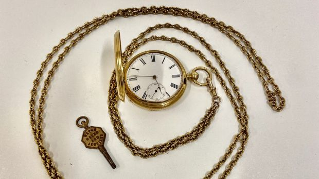 Jack B Yeats' gold pocket watch (€800- €1,000)
