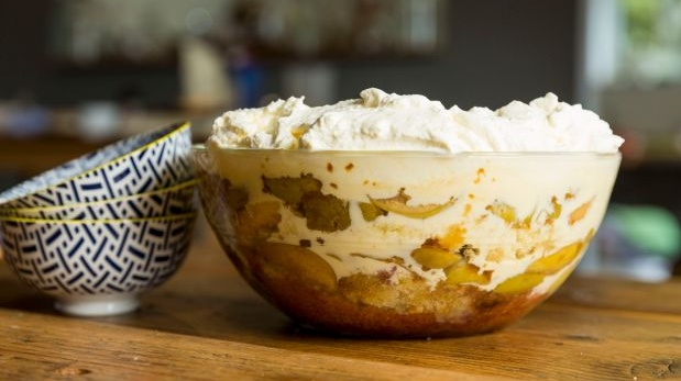 Toffee apple and brandy trifle