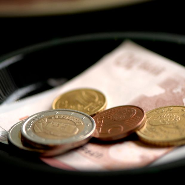 When it comes to tips, cash is king. Photograph: iStock/Getty