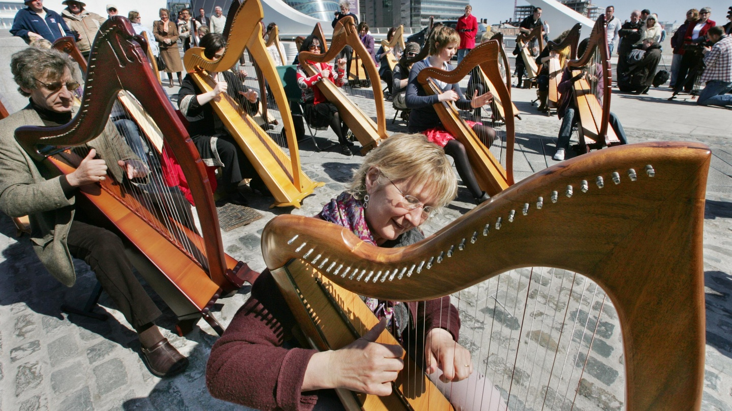 Irish harping joins hurling, Uilleann piping on Unesco living heritage list